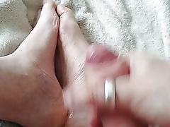 Cumming overhead my trotters