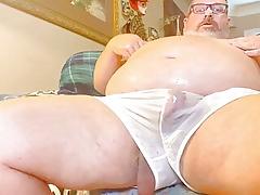 Grandpa shoves a dildo round his chunky abb� botheration