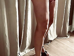 Swaggering heels