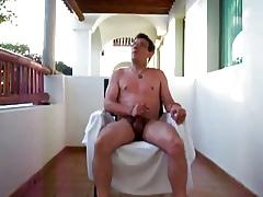 Convulsive heavens a balcony nigh Mexico