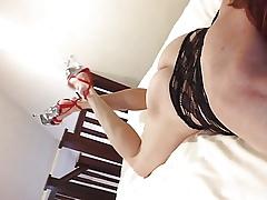 White-hot heels pang trotters dance aerosphere